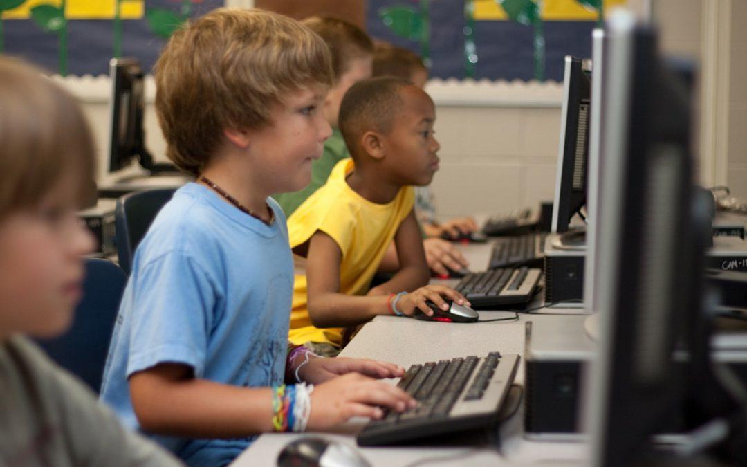 GROOMING: adescamento di minori su internet, sai come difenderli?