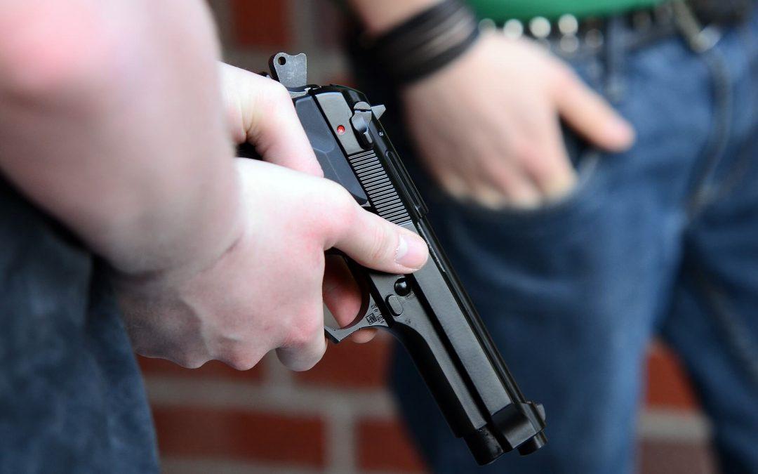 Fedina penale minori, cosa scompare ai 18 anni e cosa resta?